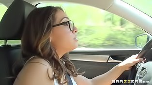 Sara Luvv fucked in the car