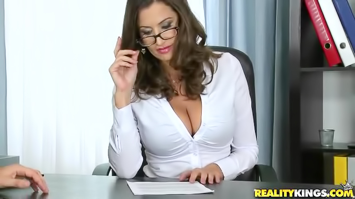 Opinion you busty secretary janelle variant