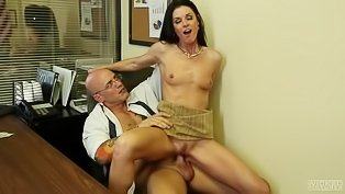 Bald dude fucks a brunette lady