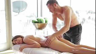 Sexy model is fucking with masseur
