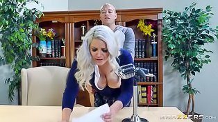 Blonde loves fucking at school