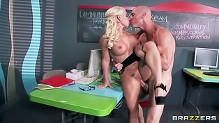 Blonde rides dick in Internet cafe