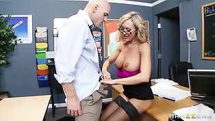 Strong teacher is fucking the blonde
