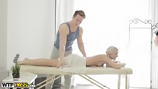 Strong masseur is fucking lovely babe