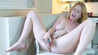 Ginger model and her big sex toy