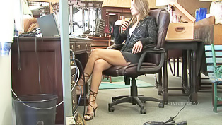 Office slut is masturbating wildly