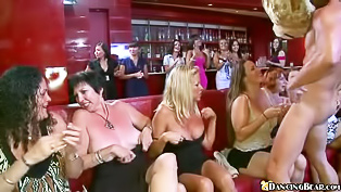 Intense all-girl blowjob party