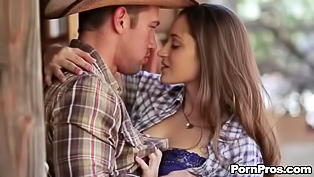 Sexy cowgirl loves fucking in the street