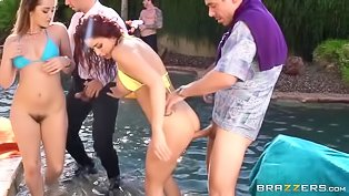 Great sex party in the pool