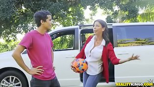 Soccer mom drilled by a hung teen