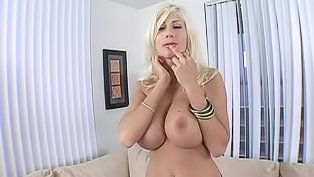 This horny blonde will drive you mad