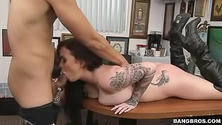 Tattooed babe gets banged wildly