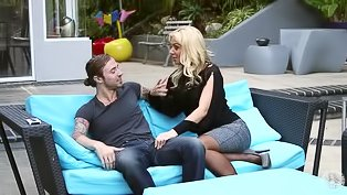 Fantastic blonde gets mouth penetrated