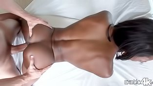 Ebony queen is showing fucking skills